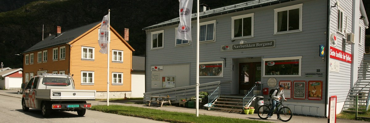 You can supply at the Borgund convenience store on the section Borlaug-Borgund Stave Church.